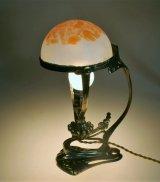 アール・ヌーヴォーの小さなランプ